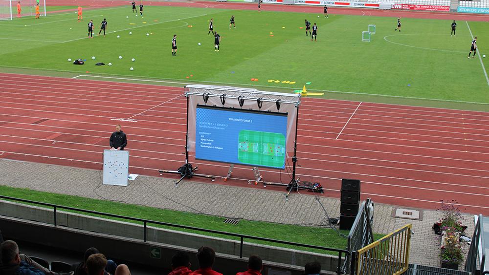 Regionaler Trainerkongress im Donaustadion
